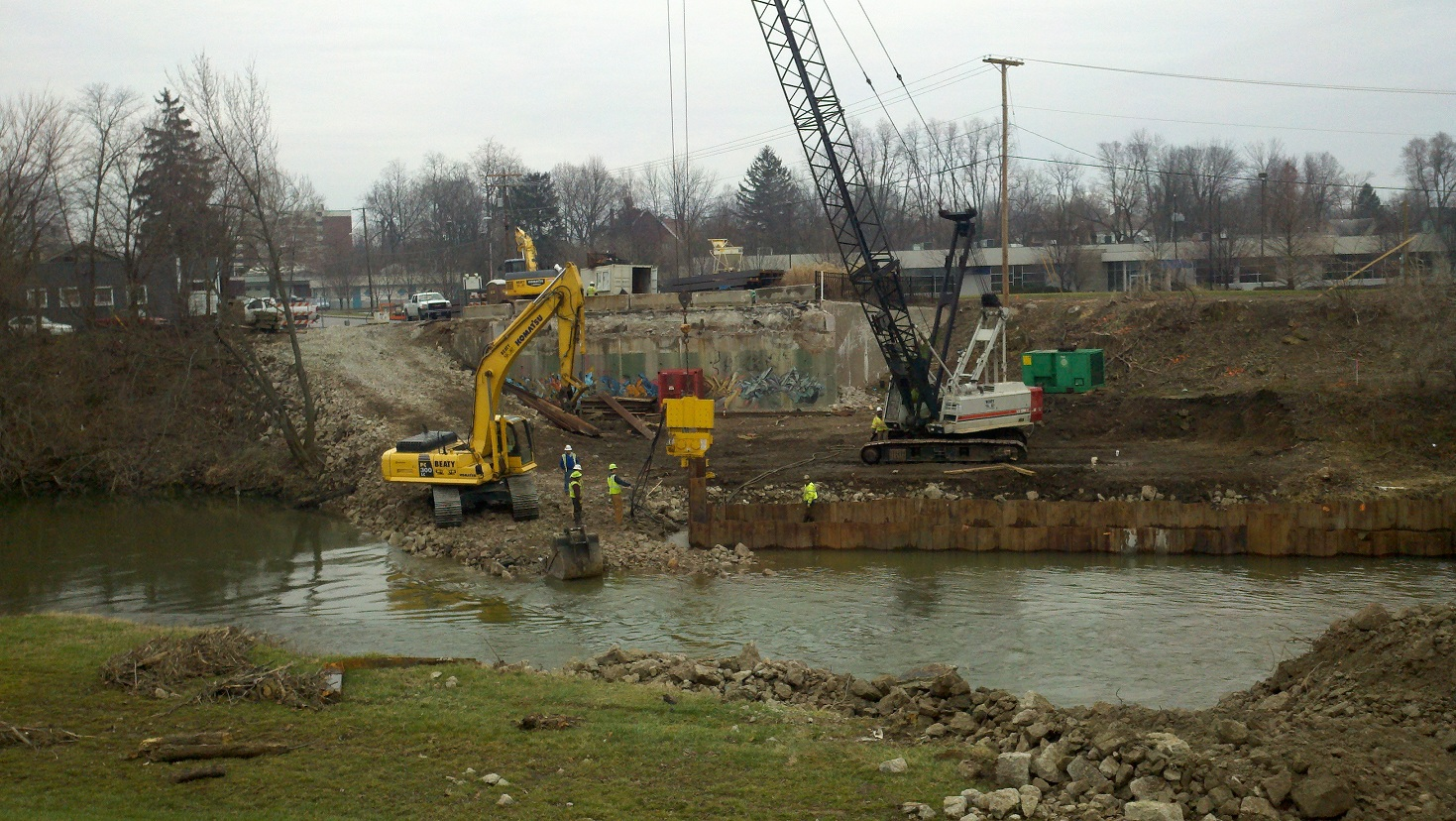 Beaty working on the Jackson St. bridge over White River in Muncie