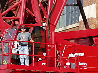 Bob Little running the Manitowoc crane at the Lucas Oil Stadium
